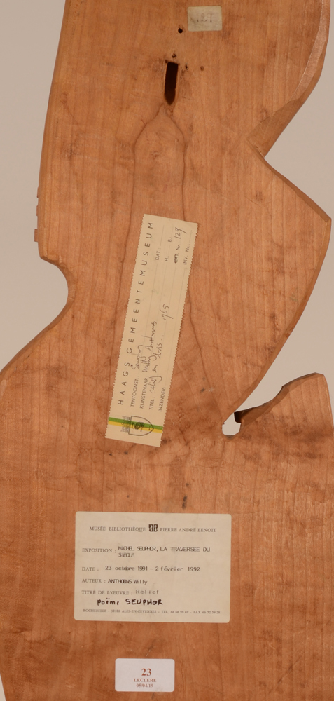 Willy Anthoons and Michel Seuphor — <p>Exhibition labels at the back of the sculpture</p>