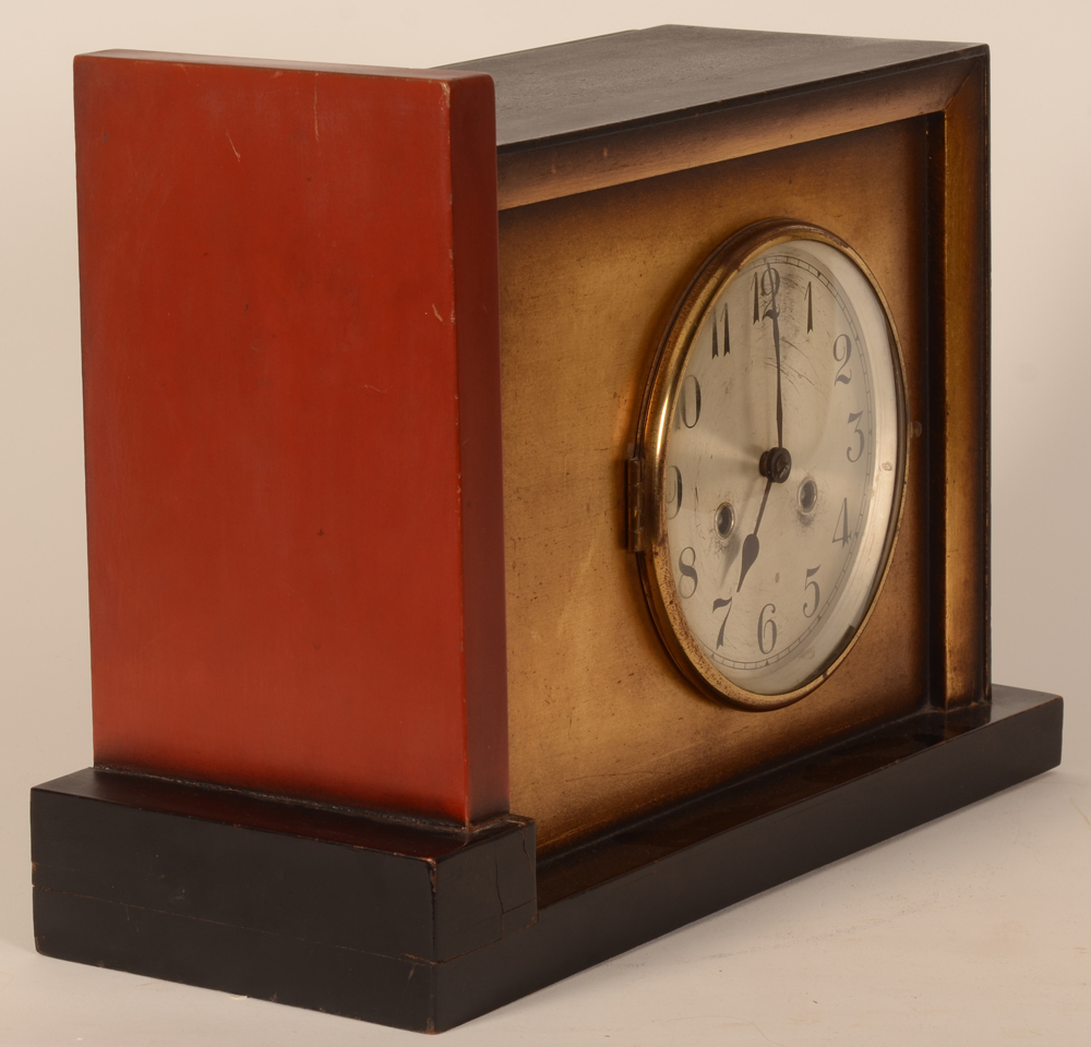 Art Deco clock — Side view of the modernist style clock
