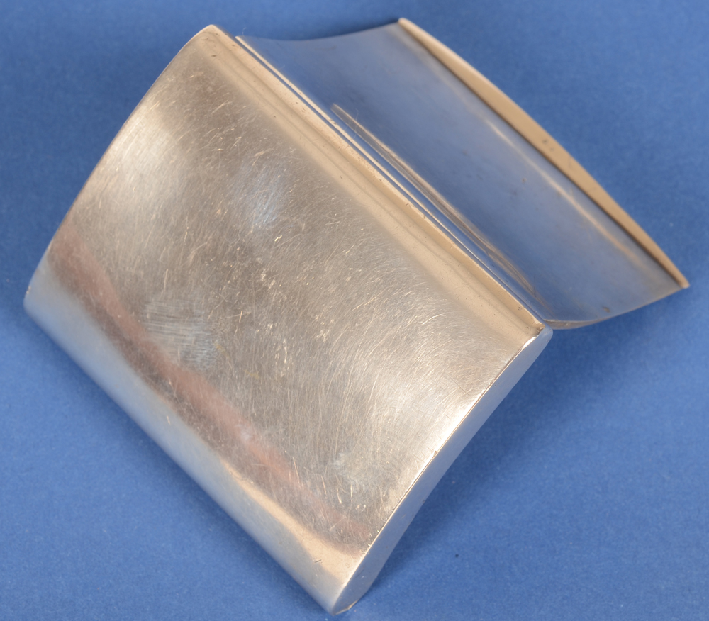 Belgian silver snuff box — Back of the (open) snuff box