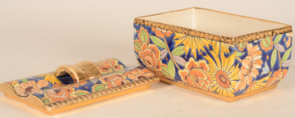 Boch La Louviere lidded box — The box open, with no defects