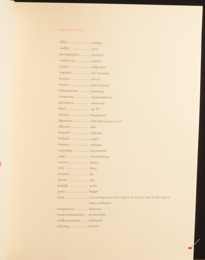 Dirk Braeckman — One of the introduction pages, in different languages