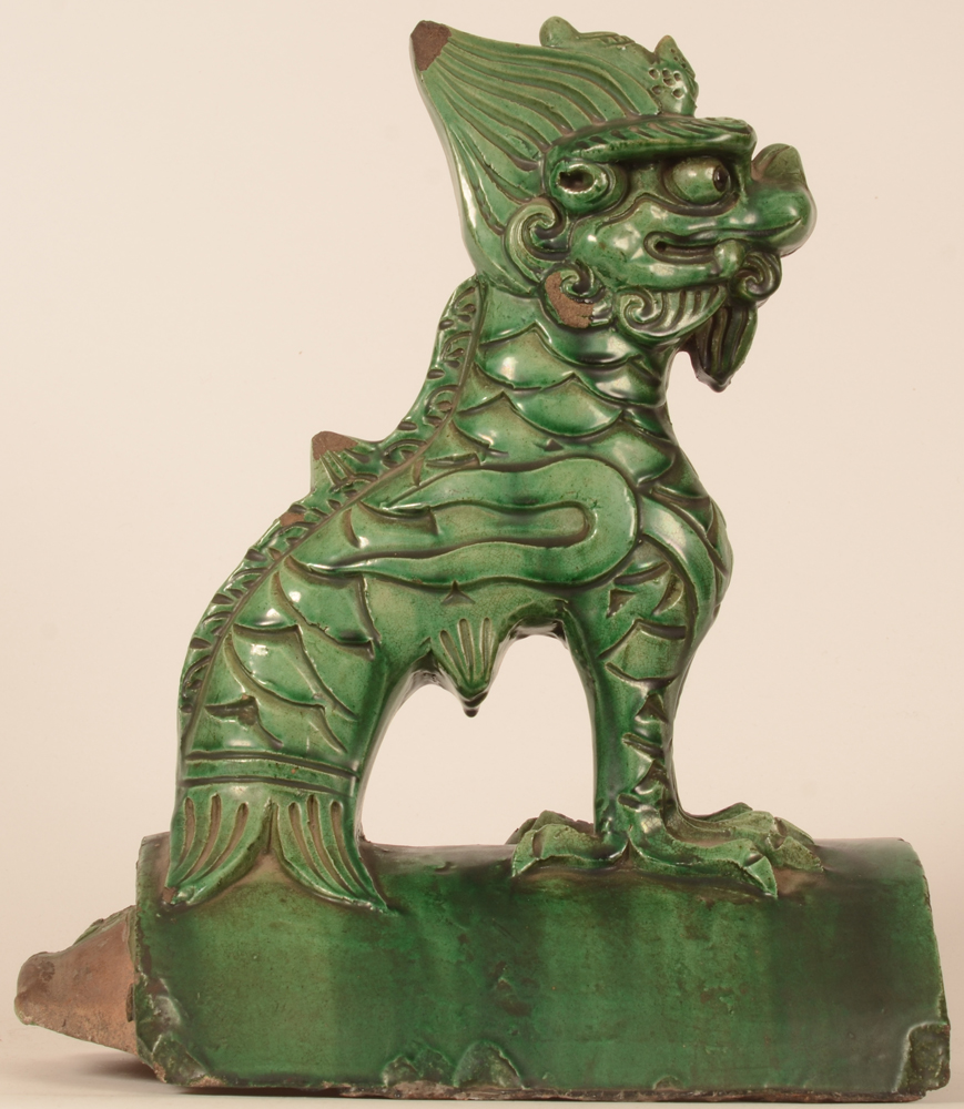 Chinese roof tile Fo lion — Alternate view form the side