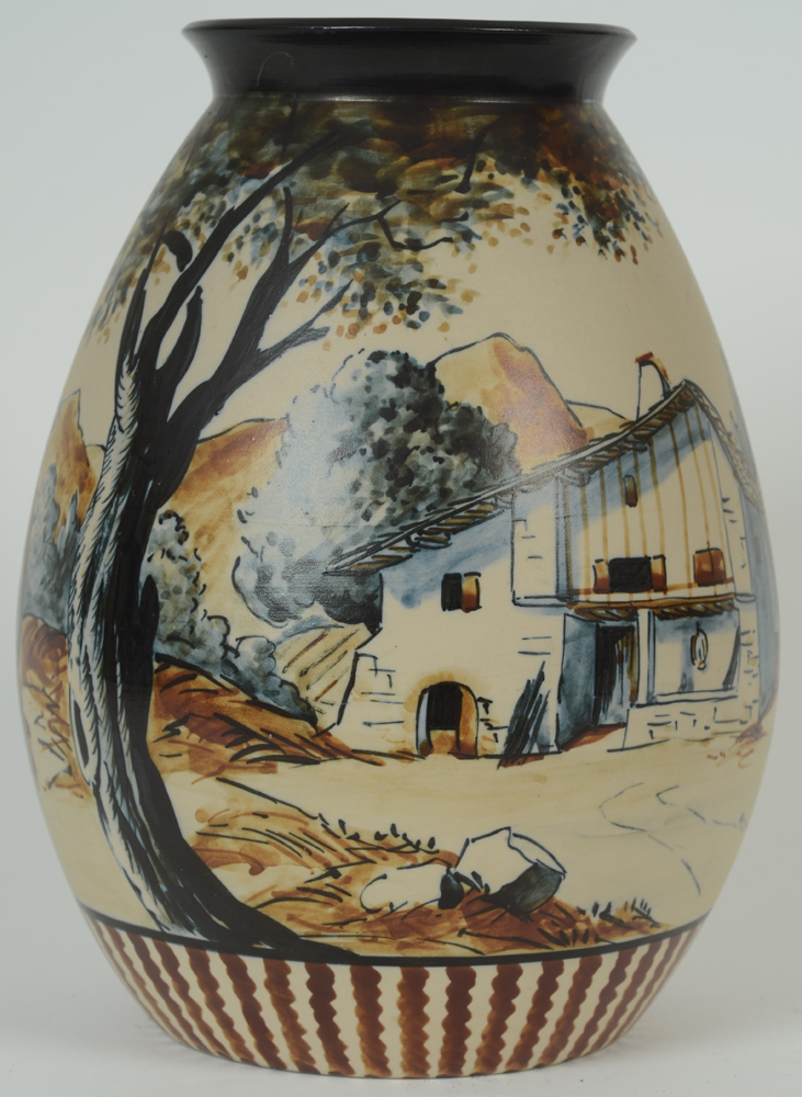 Ciboure Vase — Village view on the back of the vase