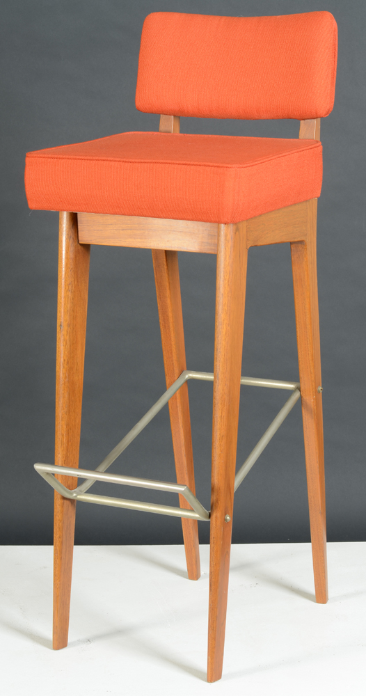 De Coene  — <strong>Paul Vandenbulcke</strong> for <strong>De Coen</strong>e, bar stool side view.