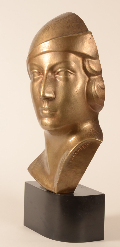 Richard de Meyer bust — Left profile