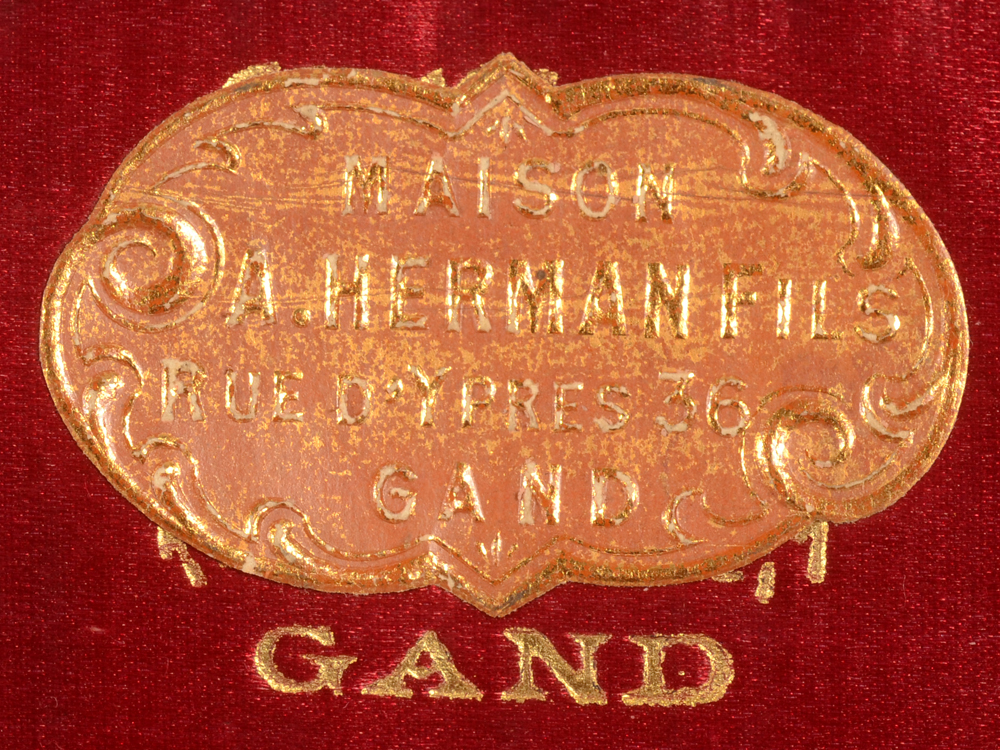 Delheid Frères — Retailers mark on the inside of the box