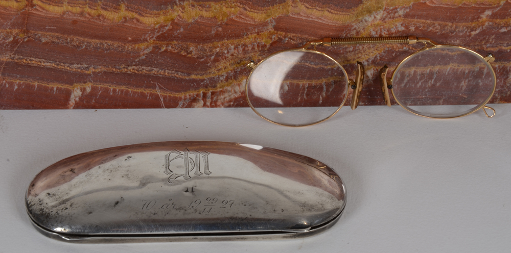 Gold pair of Glasses — A Swedish pair of glasses in gold, beginning of the 20th century, with a purpose made silver case.