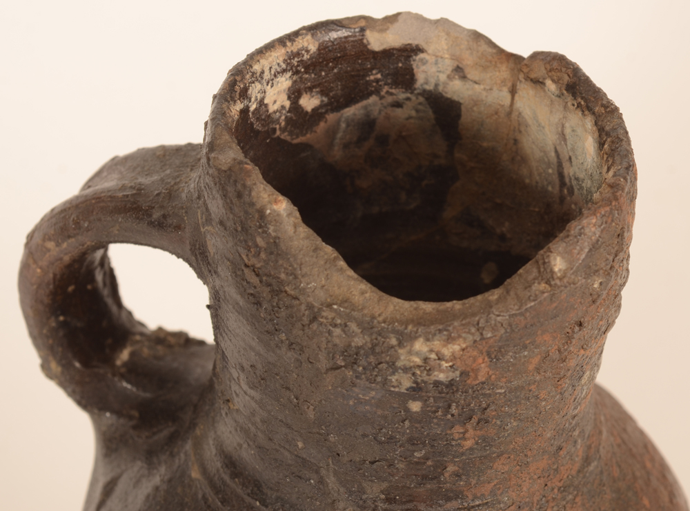 Jacoba jug — Detail of the neck, with damages