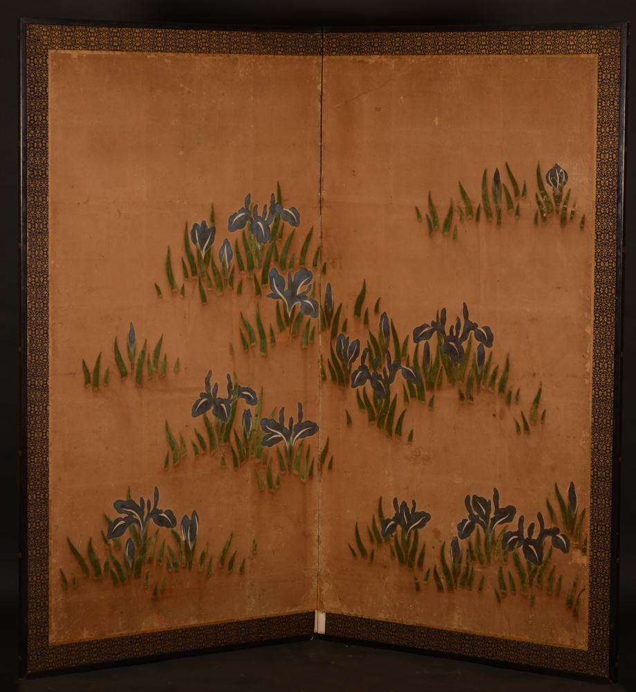 Japanese Screen — Beau paravent decoratif avec un decor d'iris, 18eme siecle. A restaurer