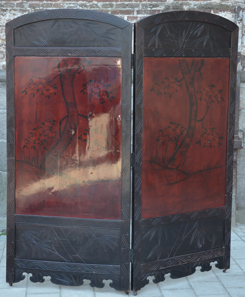 Japanese screen wood lacquer — Back of the screen with painted lacquer panels