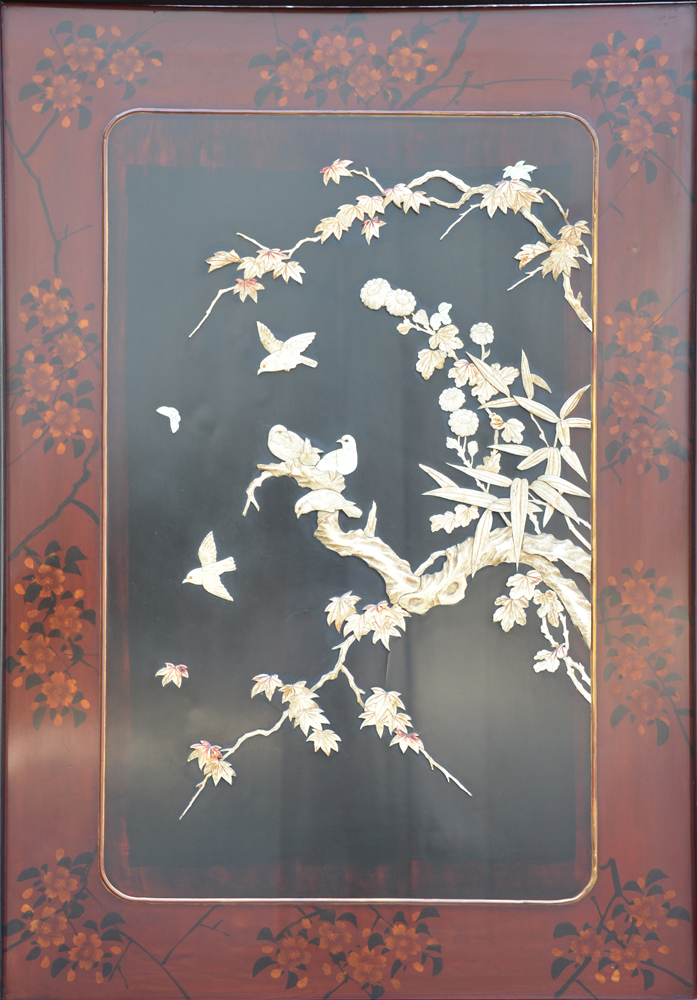 Japanese screen wood lacquer — Detail of the one of the front panels with the inlaid decoration in bone and mother-of-pearl