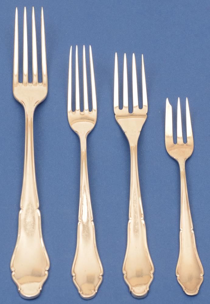 Lutz und Weiss — Detail of the different sizes of silver forks