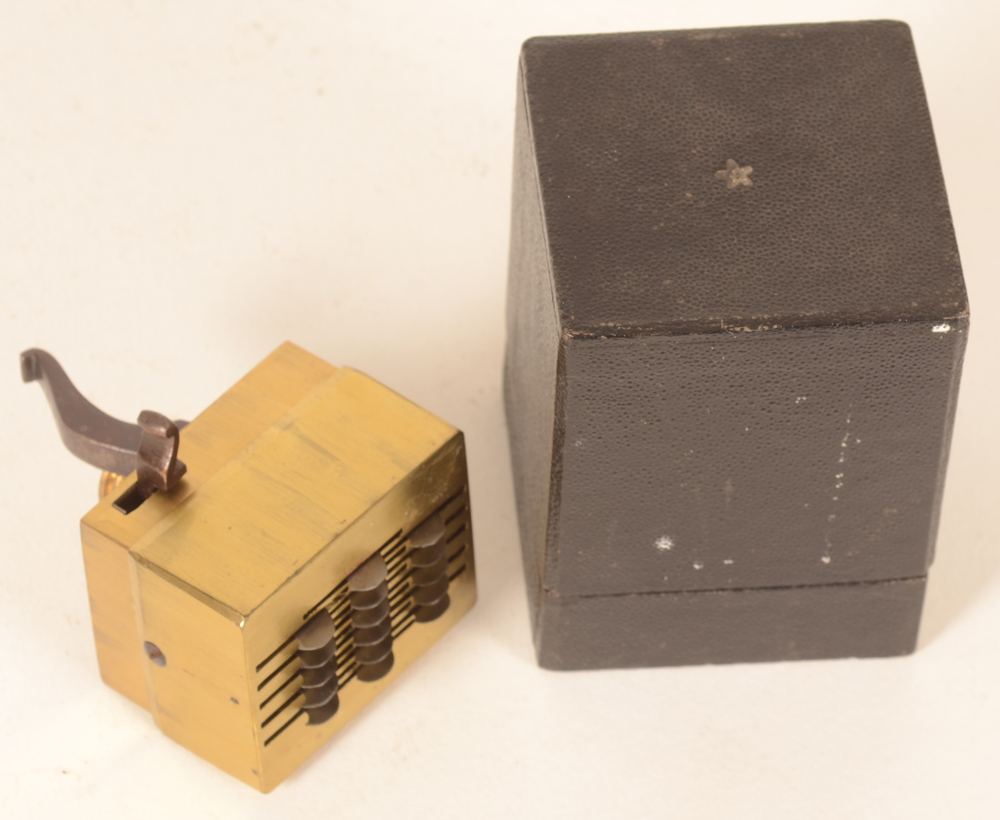 Medical scarifier — the instrument with its original box