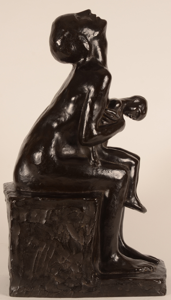 George Minne — Mere pleurant son enfant, 1928, bronze original.