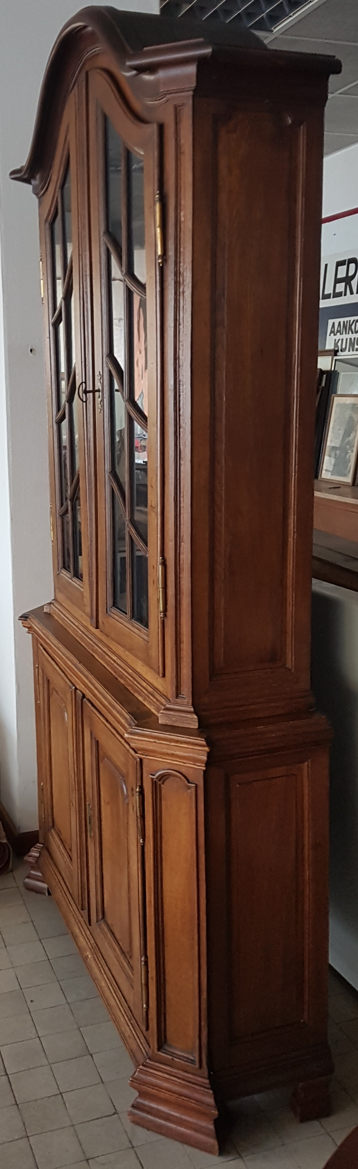 Flemish oak display cabinet — <p>Side view, showing the narrow depth</p>