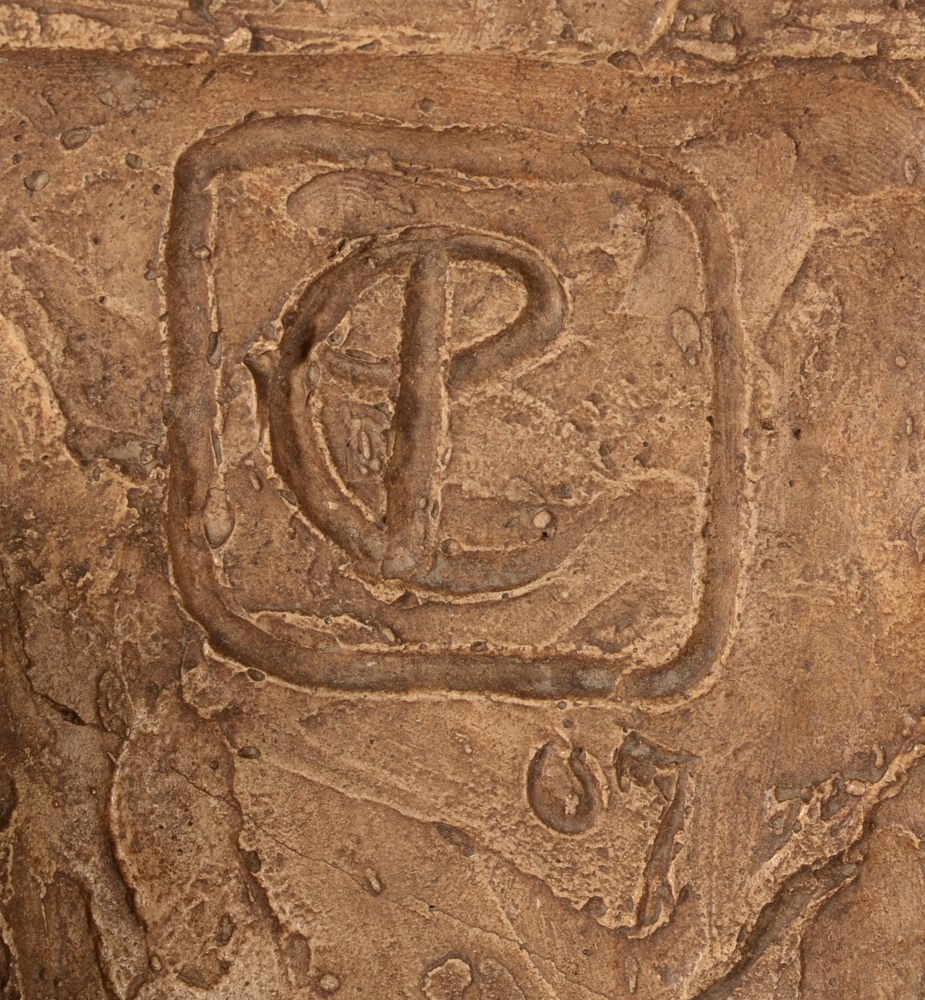 Emiel Poetou — Monogram of the sculptor and date, top right