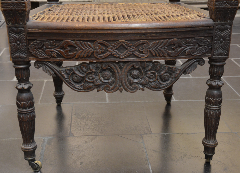 Reisse C. — Detail of the front part showing the quality of the carving