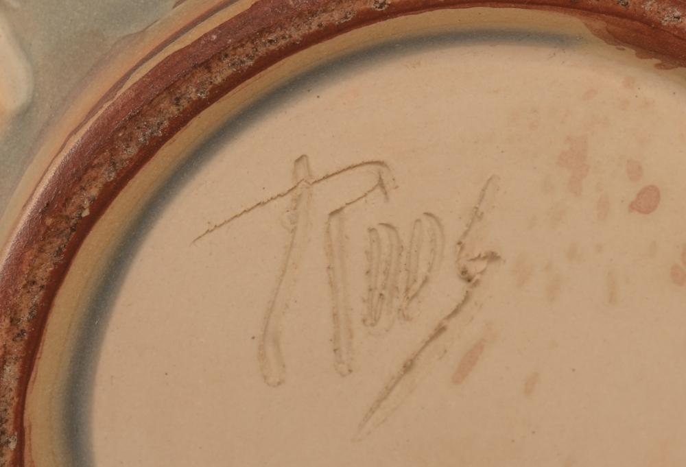 Anima Roos — Signature on the bottom of the base