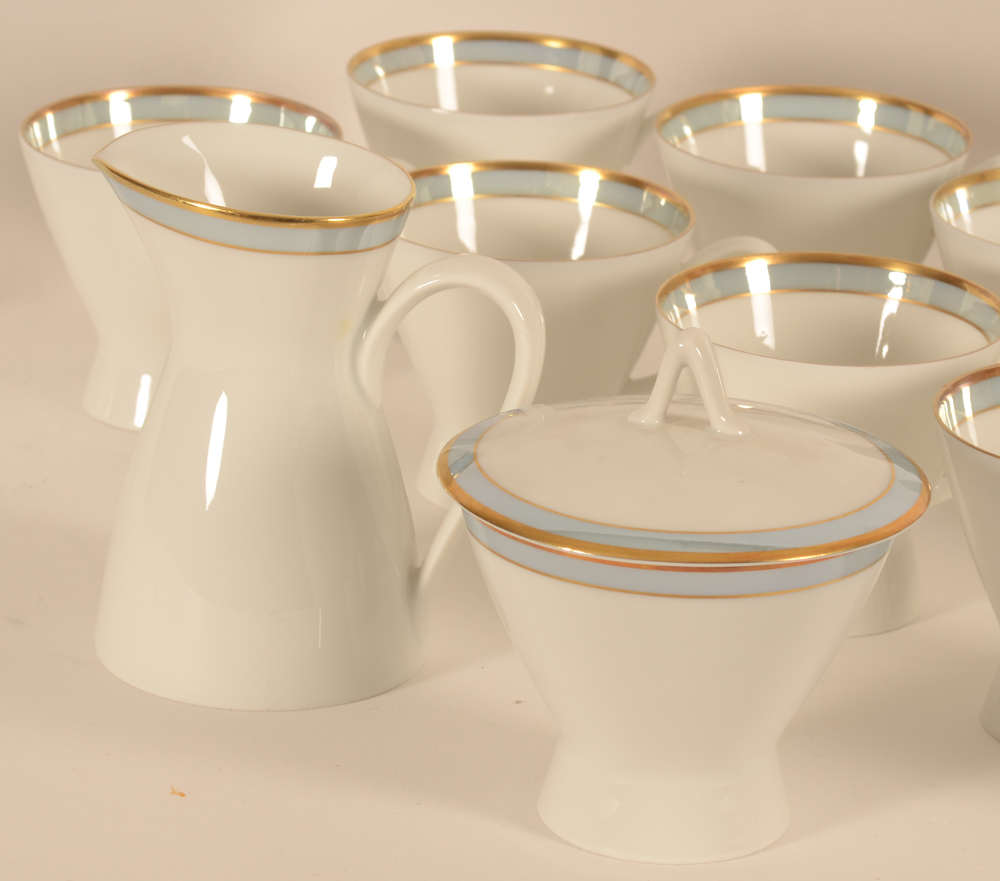 Raymond Loewy for Rosenthal coffee set — Detail of the cups and milk jug