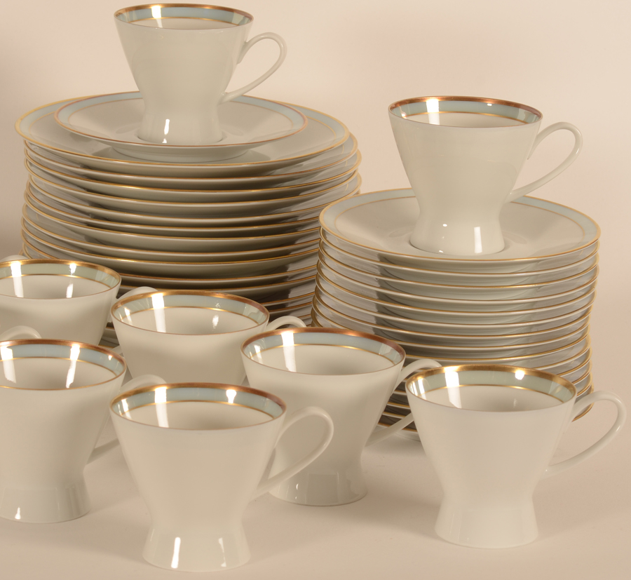 Raymond Loewy for Rosenthal coffee set — Detail of the plates