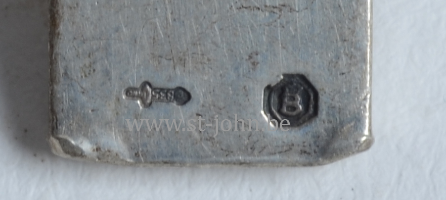 Dutch silver Marks on the back of the cross, with alloy mark of 835/1000.
