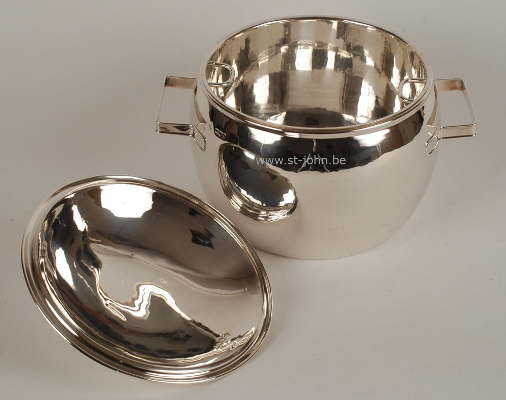 Sydney Bellamy Harman, ice bucket, open, silver plated inset visible.