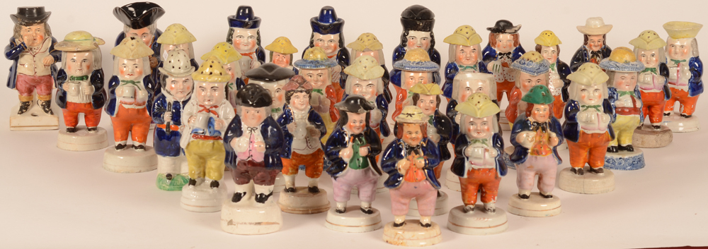 Staffordshire collection — Grande collection de 80 figurines en Staffordshire anglais, restaurations