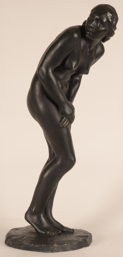 Pierre Theunis — A side view of this unusual pose, divised by the sculptor to convey surprise.
