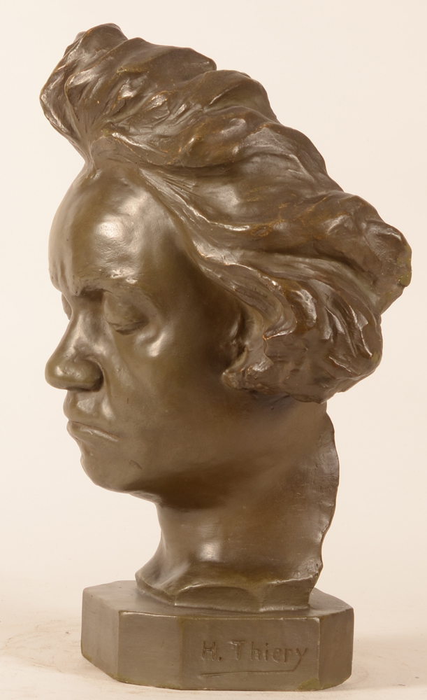 Henri Thiery — Profile of the sculpture with signature of the artist