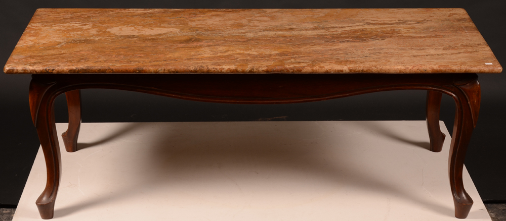 Travertine coffee table — Table in brown travertine: with wooden foot