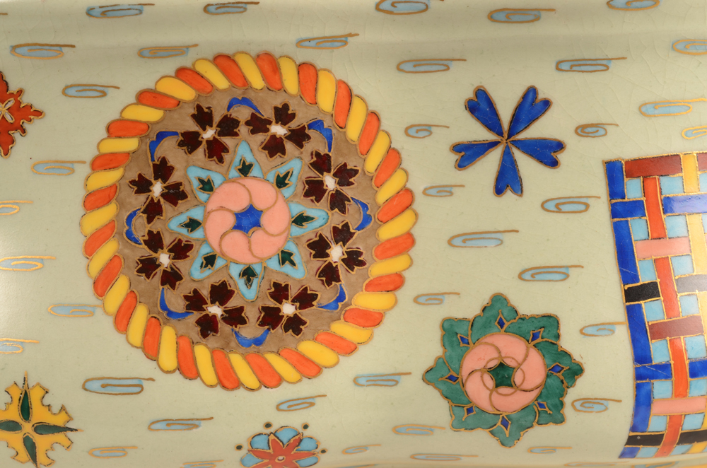 Vermeren-Coche — Detail of the faux cloisonne pattern