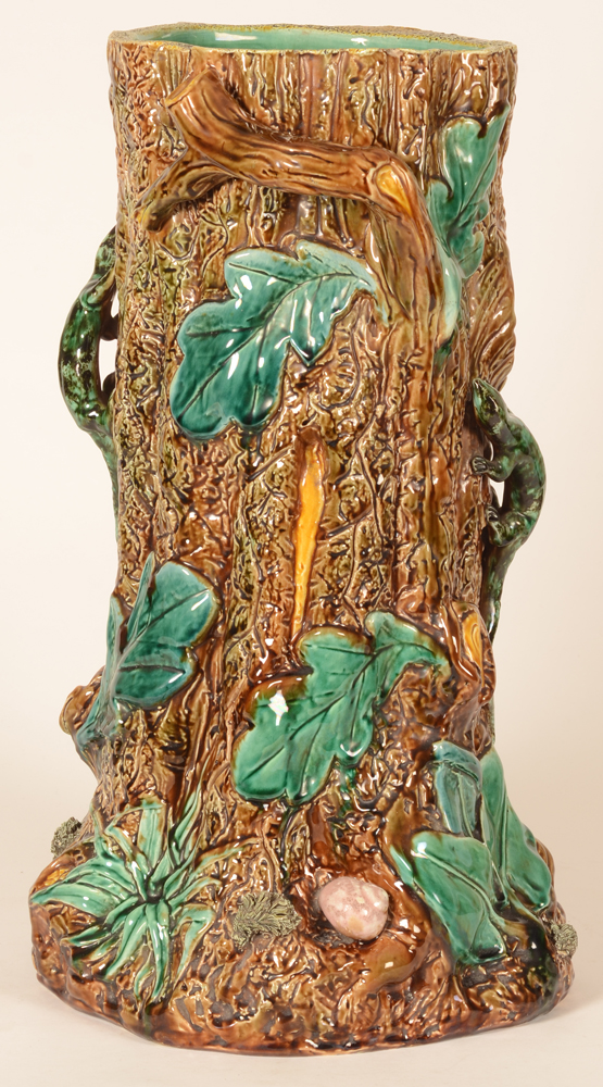 Victorian majolica umbrella stand — Detail of the side with a pink snail