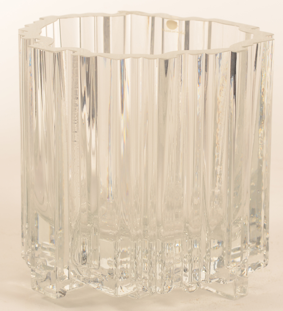 Tapio Wirkkala — Alternate view of the glass Arcadia vase.