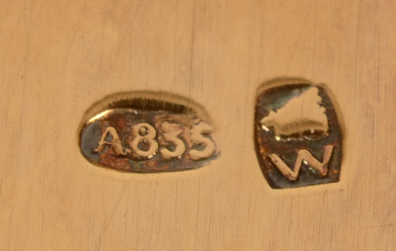 Wolfers Frères — Alloy mark and makers mark of Wolfers Frères S.A. on each of the pieces