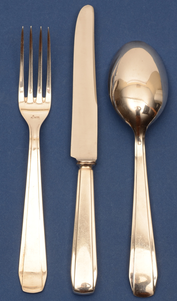 Wolfers Frères Chambord model — <p>Hors d'oeuvre or entrée cutlery, for 12 settings<br></p>