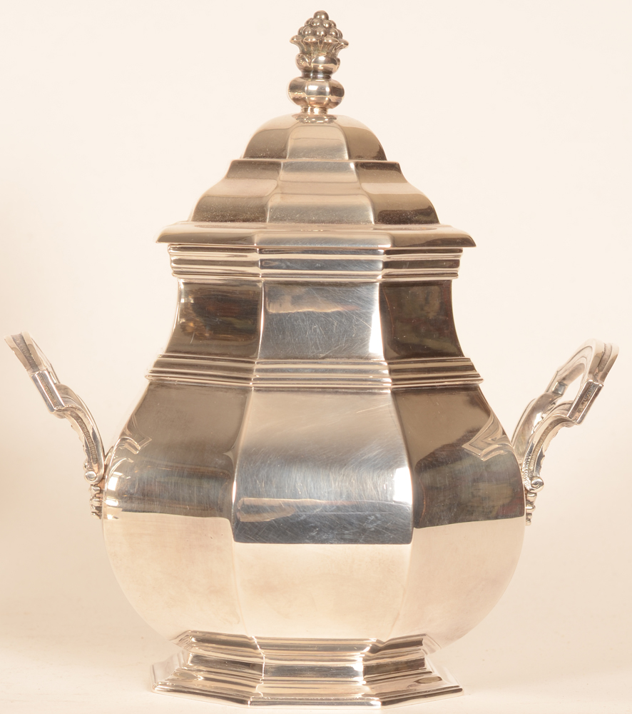 Wolfers Frères — Silver sugar pot, height 19 cm
