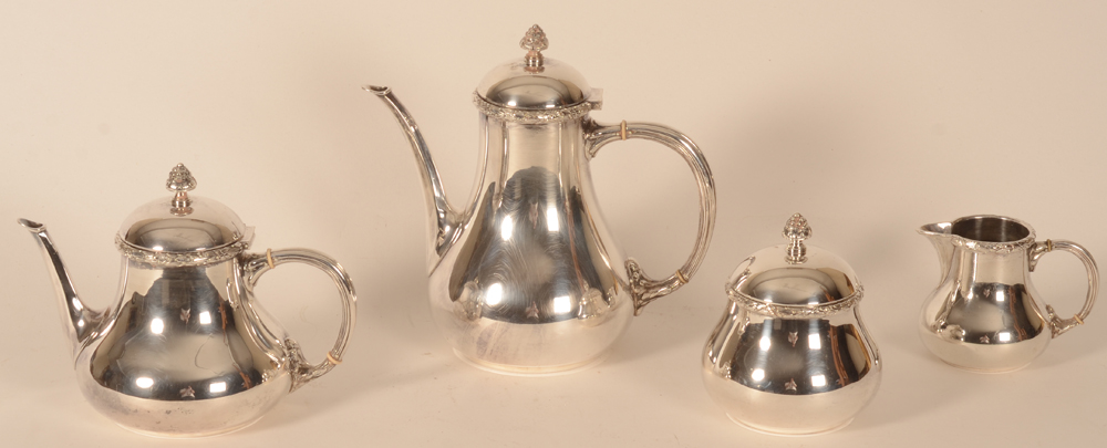 Wolfers Frères — Alternate view of the silver set