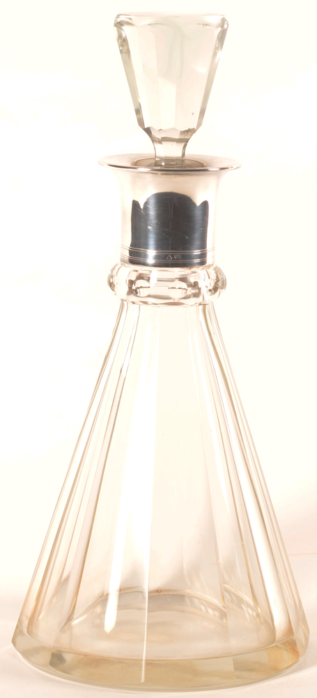 Wolfers Freres — Une carafe en crystal et argent, marque Wolfers