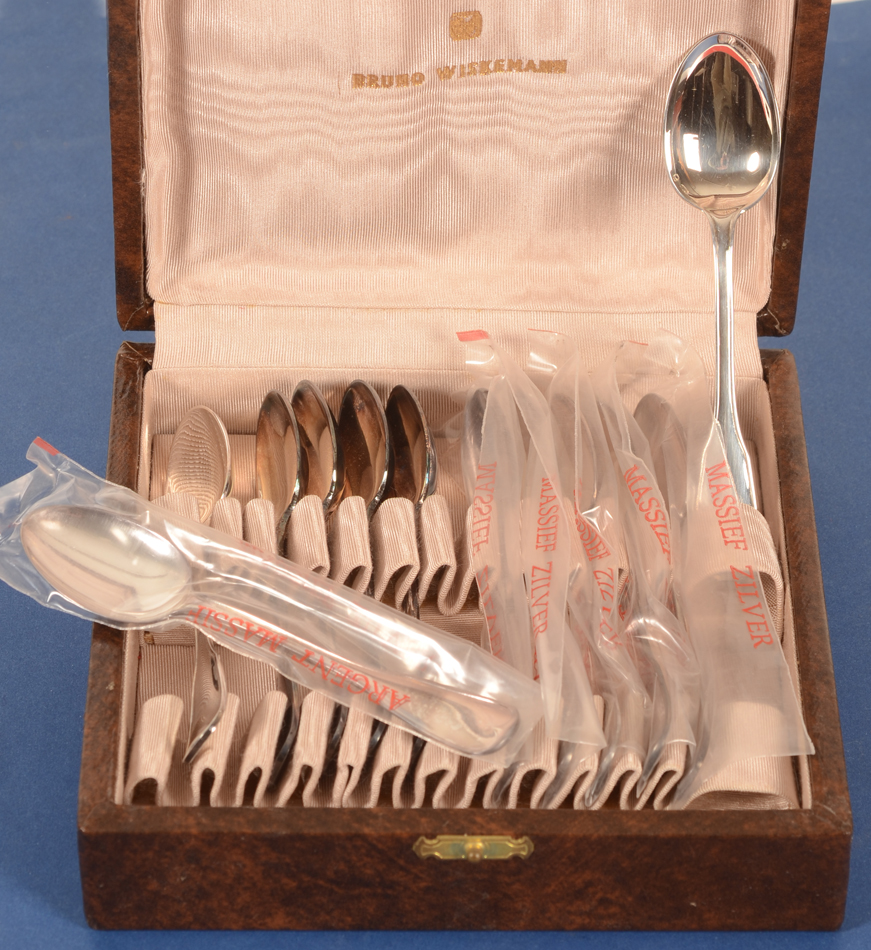 Wolfers Frères — the spoons in their original box