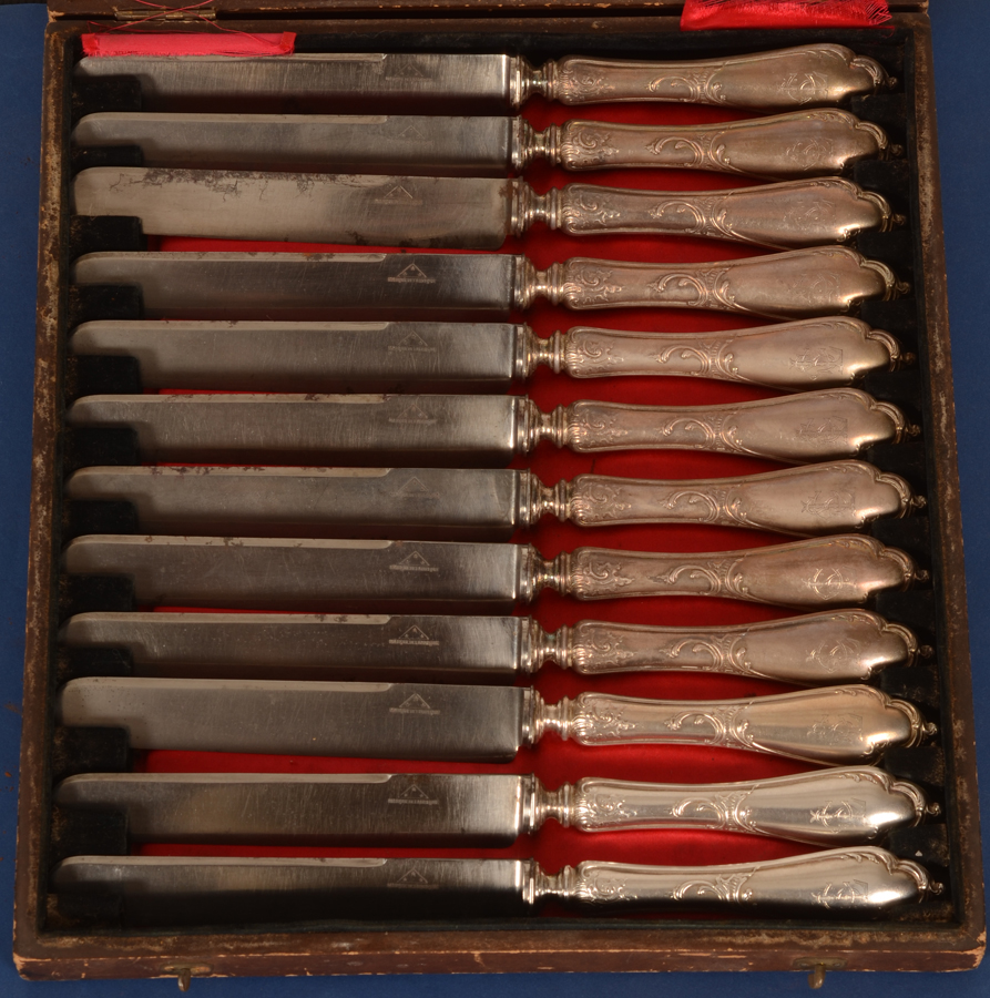 Wolfers Frères — The knives in their original box