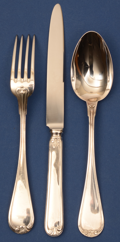 Wolfers Frères S.A. — <p>Large fork, large spoon and knife in silver, alloy 835/1000</p>