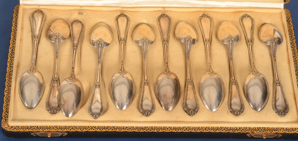 Wolfers Frères — the spoon sin their original box