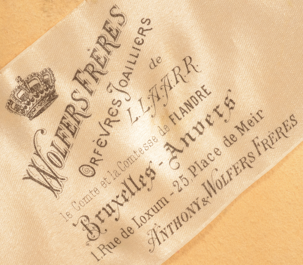 Wolfers Frères — The Wolfers label in the box