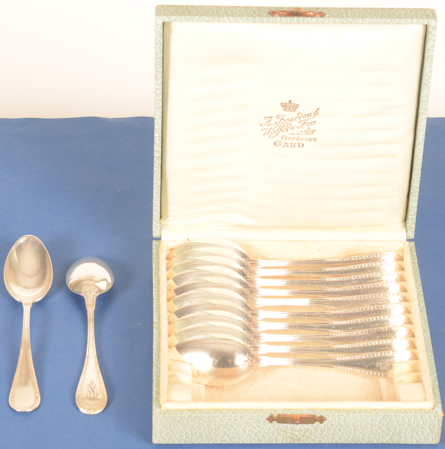 Wolfers Freres 219 L XVI laurier — The spoons and their original box