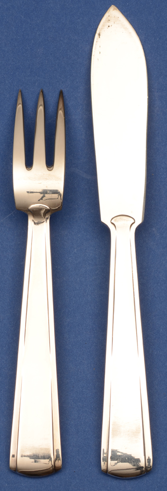 Wolfers Freres — Back of the very modernist fish fork and knife in art deco silver designed by Philippe Wolfers
