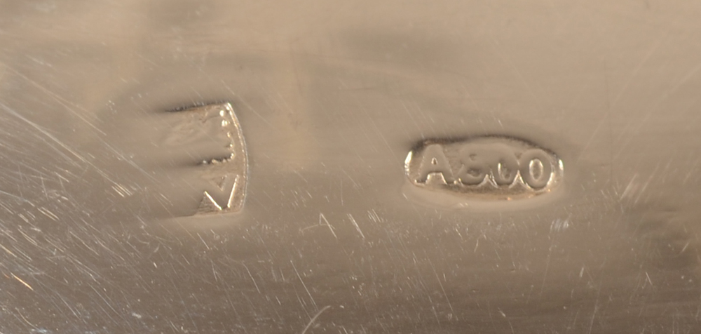 Wolfers Frères — Makers mark and alloy mark for 800/1000 on the strainer