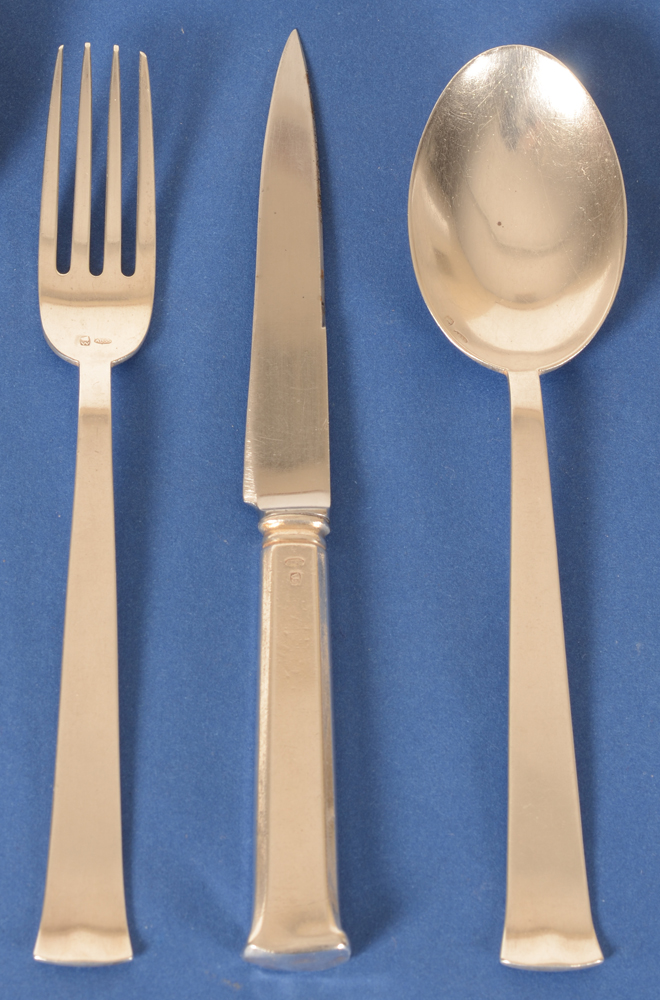 Marcel Wolfers — Detail of the hors d'oeuvres fork, knife and spoon in silver