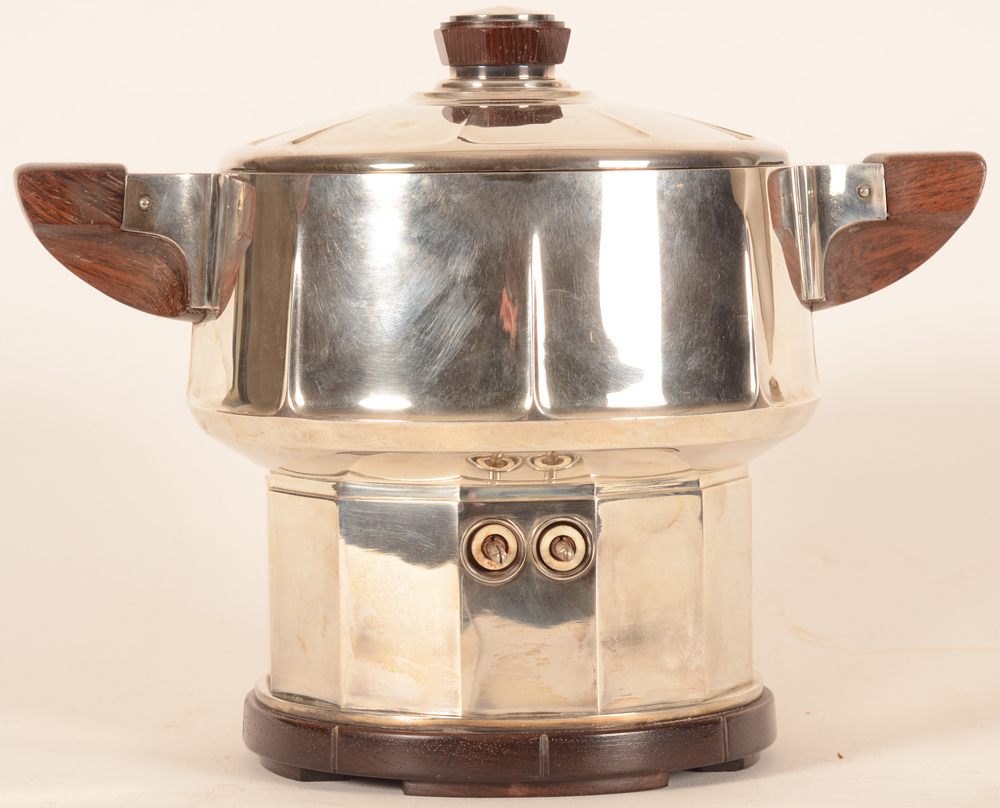 Philippe Wolfers — Back of the samovar Claes showing the connexions for the electricty