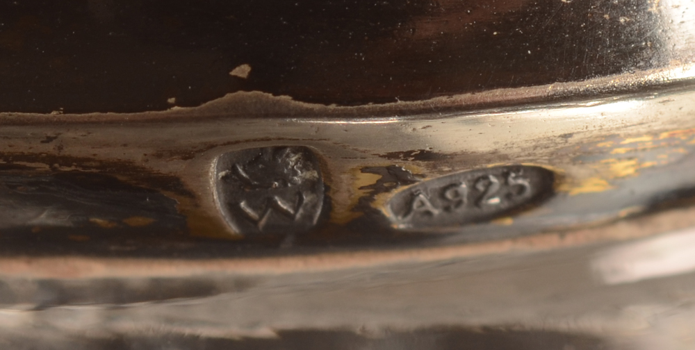 Wolfers Frères — Marks on the silver gilt neck