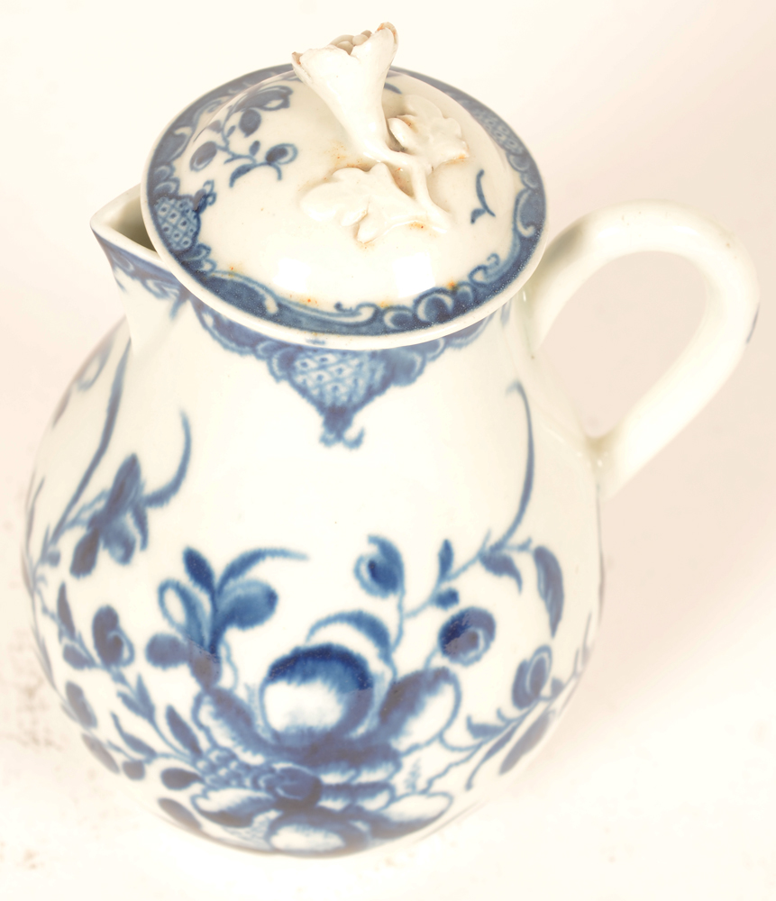 Worcester 18th century porcelain cream pitcher with lid — The creamer with lid, Mansfield pattern, 1st period